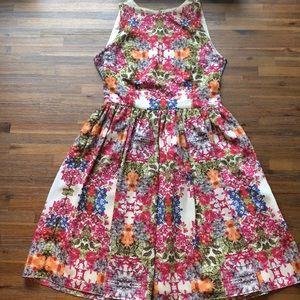 Gorgeous Maggie London Floral Dress size 6